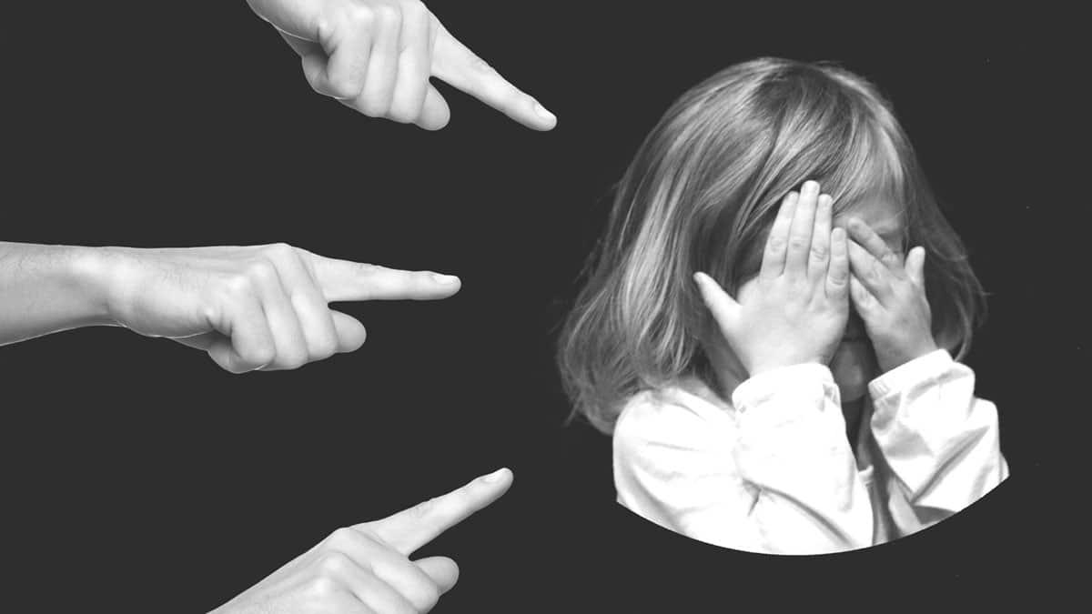 Jak Objawia Się Nieśmiałość U Dziecka Mama Sowa